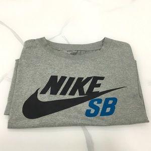 Nike Boy's T-Shirt Gray Youth Large